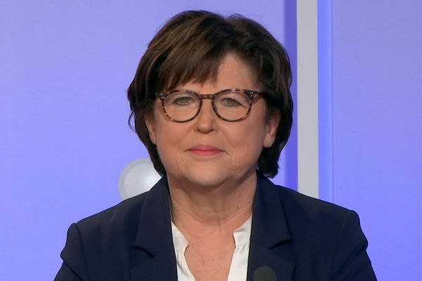 Municipales à Lille : la droite appelle à voter... Martine Aubry