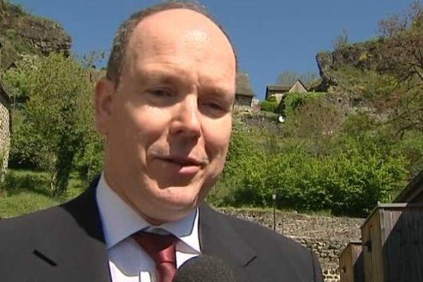 Jeudi matin, à Carlat, dans le Cantal, le prince Albert de Monaco a accepté de s'exprimer sur les liens qui unissent Carlat à Monaco.