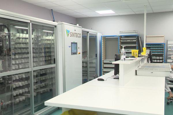 Il y a 4 ans, le centre hospitalier s'est équipé de trois armoires à pharmacie automatisées pour la distribution de médicaments.