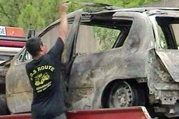Pujaut (Gard) - voiture incendiée des frères Munoz - 2001