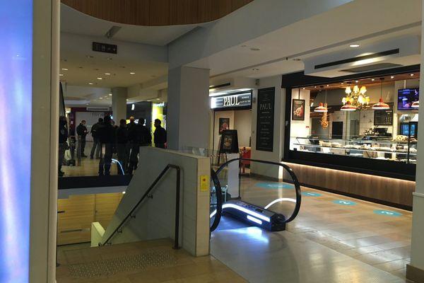 Ce 12 janvier, deux personnes ont été blessées à l'arme blanche au centre commercial des Halles.