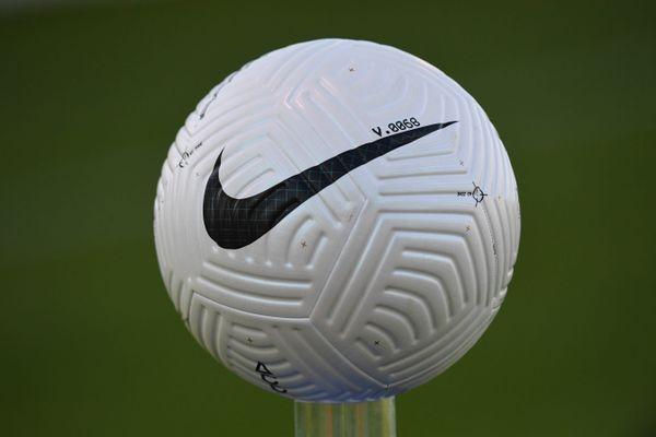 Ballon du championnat de National saison 2020/2021
