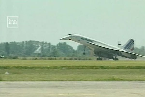 Le Concorde atterrit à Tavaux le 21 juin 1998.