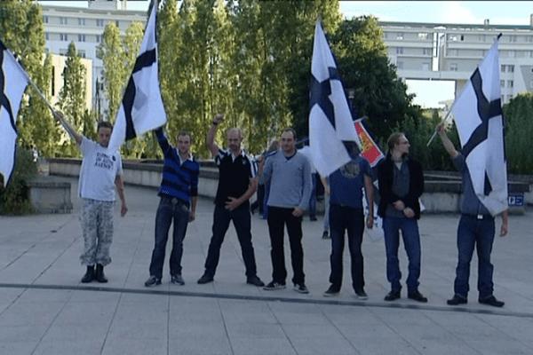 Bonnets rouges à la sortie du tribunal de Rennes, le 19/09/2014
