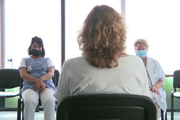 Réveil musculaire, sophrologie, massage sont proposés aux soignants de la clinique de Compiègne pendant une semaine