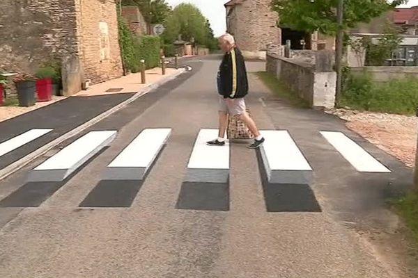 Le passage piéton en 3D testé à Jugy en Saône-et-Loire - Avril 2018