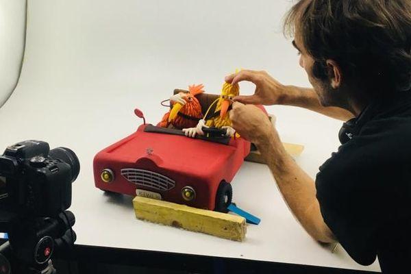 Préparation d'une séquence, dans le studio de Tournefeuille.
