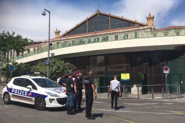 La gare Saint Charles de Marseille a été évacuée et un périmètre mis en place.