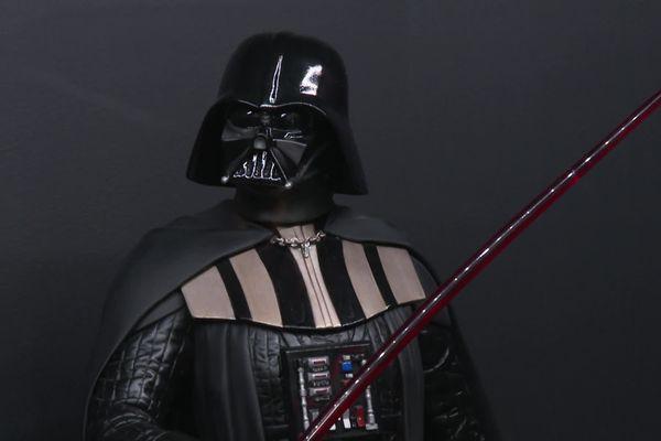 """L'exposition """" Je suis ton père """"  propose des œuvres d'art contemporain autour du mythe Stars Wars"""