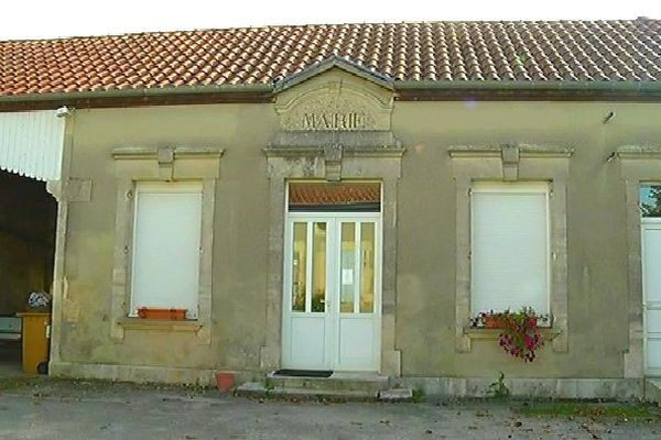 Mairie de Lignol-le-Château