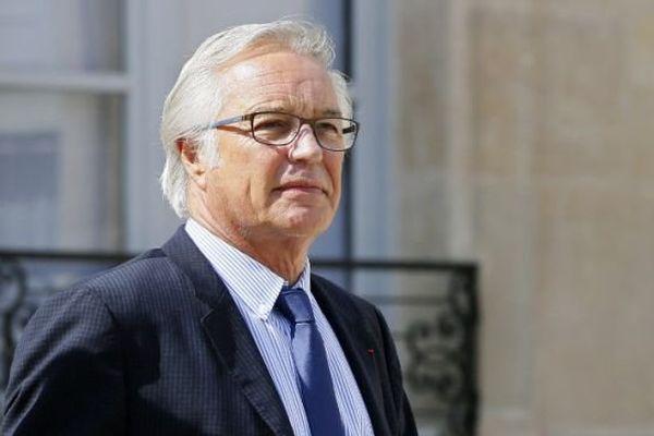 François Rebsamen, sur le perron de l'Elysée le 26 août 2015.