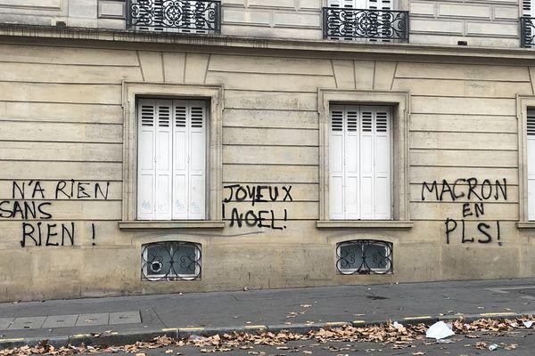 Avenue Marceau proche de la Place de l'Etoile à Paris.