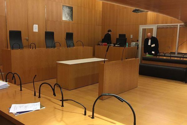 Sylvain Jouanneau, condamné au terme d'une première instruction pour enlèvement et séquestration,  peut-il rester partie civile dans la deuxième instruction, celle ouverte quelques années après pour homicide ?