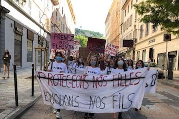 La manifestation a rassemblé 300 personnes à Bastia.