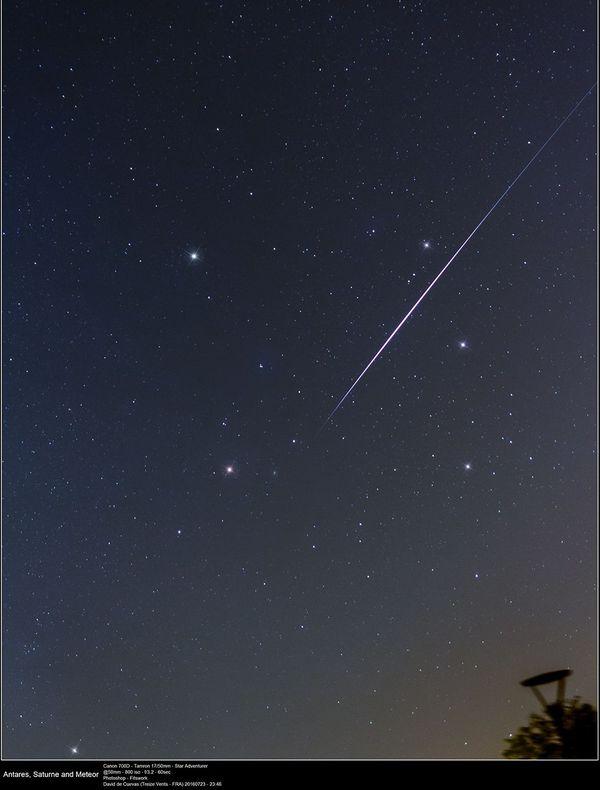 Antares, Saturne et une étoile filante des Perséides