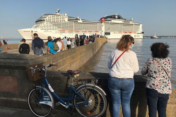Le MSC Virtuosa quitte Saint-Nazaire pour le Havre et Southampton le 30 mars 2021