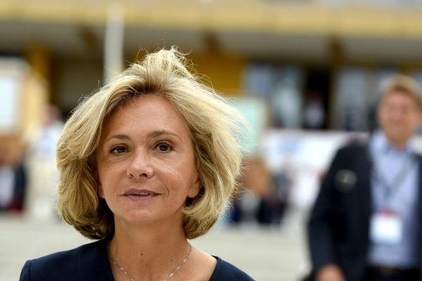 La présidente de la région tire la sonnette d'alarme après l'abandon du projet Europacity dans le Val d'Oise.