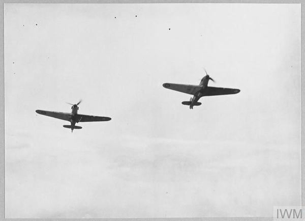 Deux Hawker Hurricane en vol en mai 1940.