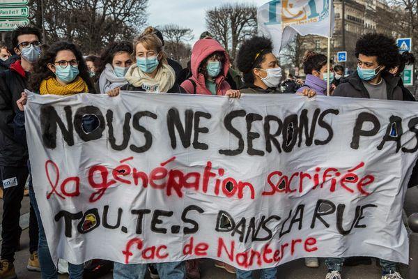 Étudiants de région parisienne mobilisés le 20 janvier 2021 pour lutter contre la précarité