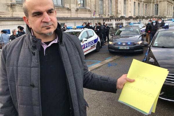 Ce 14 décembre Yannick Bianchéri, secrétaire départemental Alliance Police Isère, a déposé 180 demandes de ruptures conventionnelles de policiers auprès du préfet de l'Isère.