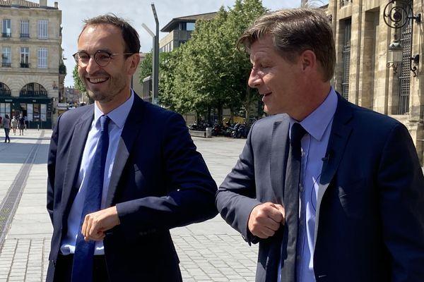 Tchek du coude entre Nicolas Florian et Thomas Cazenave ce mercredi 3 juin à Bordeaux ensemble pour détailler les raisons de leur union.