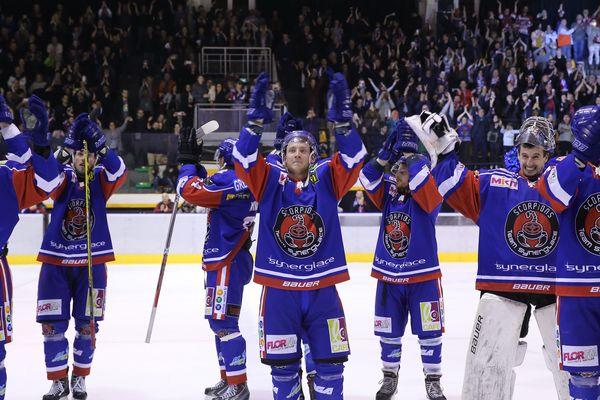Les hockeyeurs mulhousiens après leur deuxième victoire face en Brest