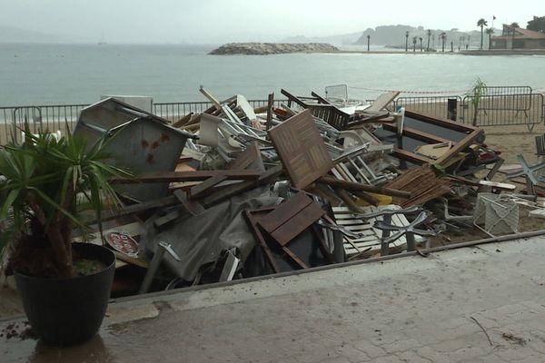 Ce restaurant de plage a été dévasté pendant le passage d'un tornade dans la nuit de samedi à dimanche.