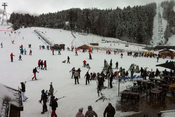 Dans les stations de ski du Massif central, la saison hivernale est prometteuse, comme c'est le cas au Lioran