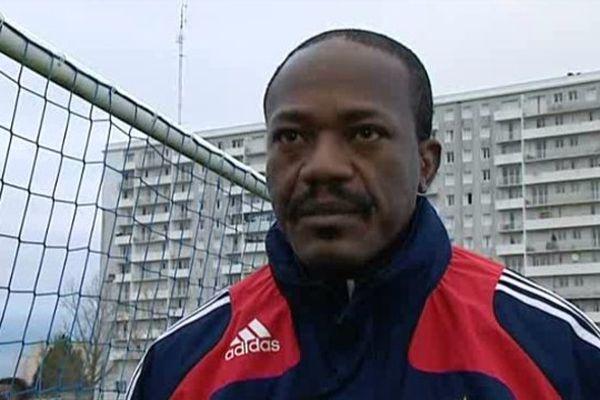 Gabriel N'Gadou, médiateur dans le quartier des 3 Cités à Poitiers