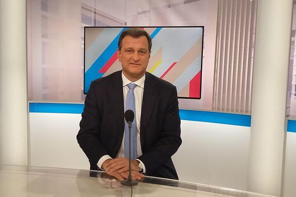 Louis Aliot, député FN au parlement européen et conseiller municipal de Perpignan est l'invité de Dimanche en politique le 20 novembre à 11h30