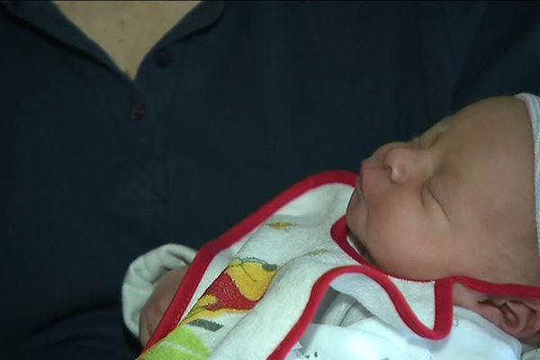 Née à 4h du matin le jour de l'an, Léa Racine est le premier bébé né à Amiens en 2019.