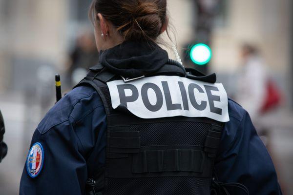 Cinq policiers ont été condamnés à des peines de six à dix mois de prison avec sursis pour avoir couvert un collègue en état d'ivresse