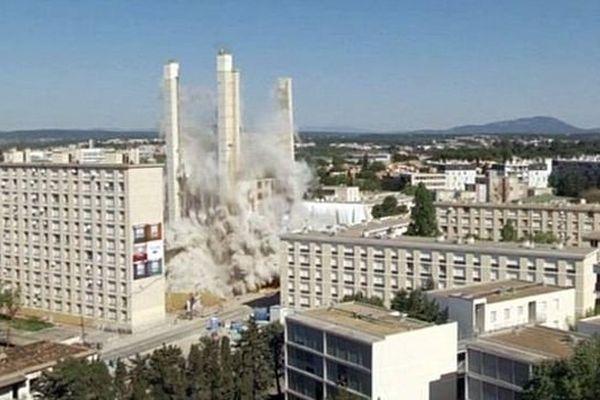 Montpellier - Implosion de la Tour H du quartier du Petit Bard - 14 avril 2014.
