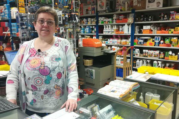 Lucile Vandaële va prendre sa retraite et verrait bien une épicerie collaborative à la place de sa quincaillerie