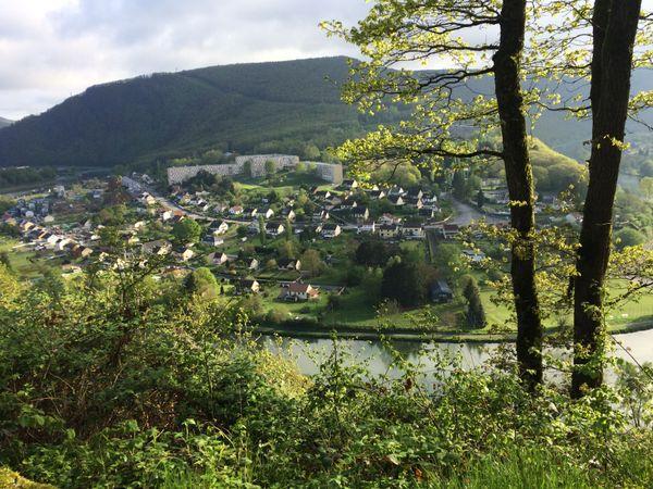 La vallée de la Meuse à Revin dans les Ardennes
