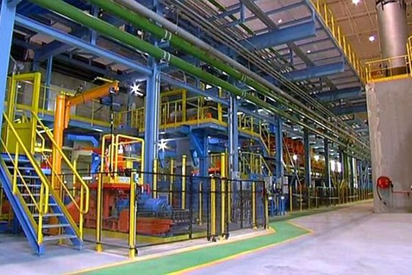Saint-Chély-d'Apcher (Lozère) - le nouveau four et la ligne de recuit, un investissement de 90 millions d'euros - 20 septembre 2013.