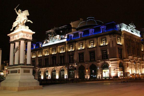 L'opéra-théâtre de Clermont-Ferrand, sur la place de Jaude
