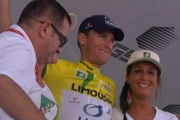 Martin Elmiger sur le podium à l'issue de la 1ère étape du Tour du Limousin
