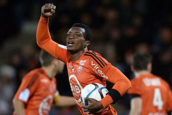 L'attaquant Benjamin Moukandjo lors du match de Ligue 1 entre Lorient et  Paris Saint-Germain au stade du Moustoir - 2/11/2015