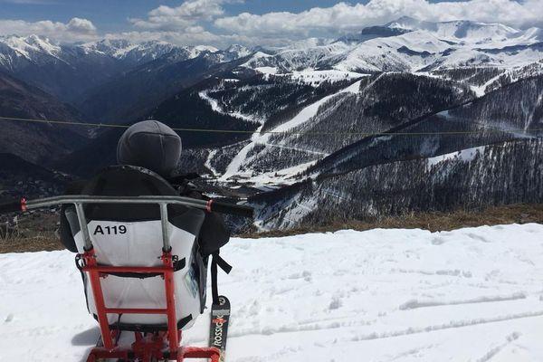 Le département des Alpes-Maritimes met à disposition 14 tandemski dans 5 stations de sports d'hiver.