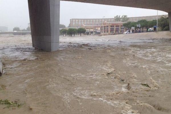 Forts risques de crue pour le Lez à Montpellier 29 septembre 2014