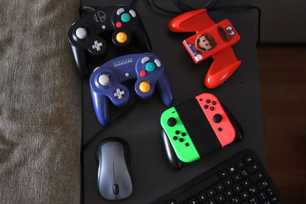 Des consoles de jeu dans un salon, en Allemagne - Photo d'illustration
