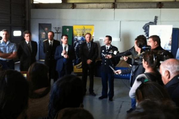 07/12/13 - Discours de Manuel Valls devant les familles et gendarmes du groupement de gendarmerie de Bastia