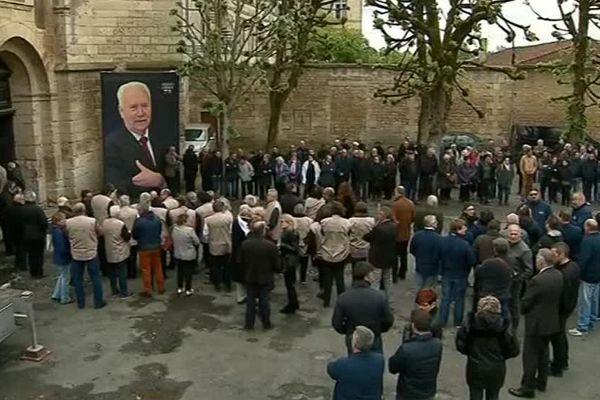 Plus de 500 personnes se sont réunies ce jeudi 3 mai pour rendre un dernier hommage à Joseph Libner.