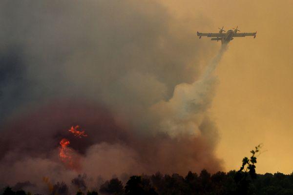 Illustration : en 2017, un incendie avait mobilisé près de 700 pompiers à Saint-Cannat.