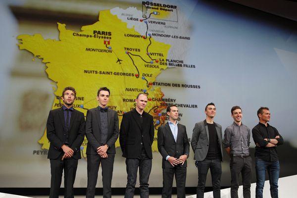 Thibault Pinot, Romain Bardet, Christopher Froome, Richie Porte, Julian Alaphilippe, Adam Yates et Thomas Voeckler lors de la présentation du parcours du Tour de France 2017 à Paris.