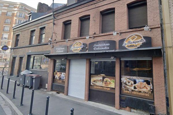 Derrière les volets fermés de cette boulangerie de Roubaix avait été installé un bar à chicha et une salle de jeux clandestine.