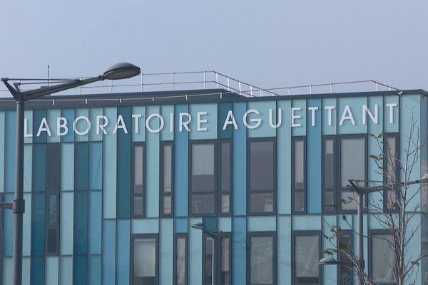 Aguettant, laboratoire pharmaceutique centenaire, va développer ses capacités de production à Lyon et en Ardèche, avec le soutien de l'Etat dans le care du plan France Relance.
