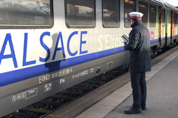 Un TER en gare de Mulhouse