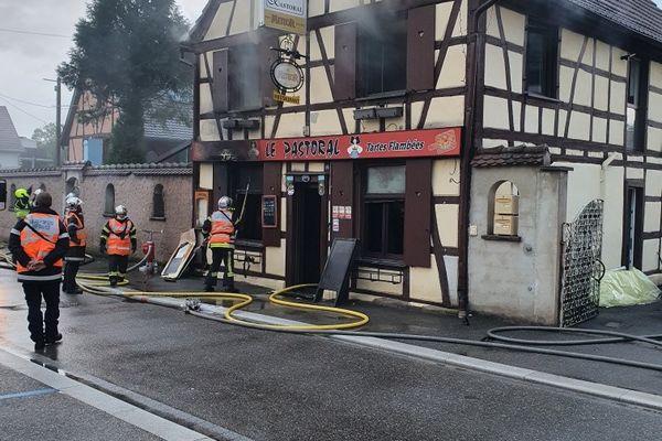 A deux jours de la réouverture des restaurants, Le Pastoral, enseigne emblématique de Huttenheim, a été ravagé par un incendie dans la nuit du 16 mai 2021.